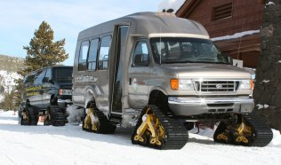 175_snowcoach2